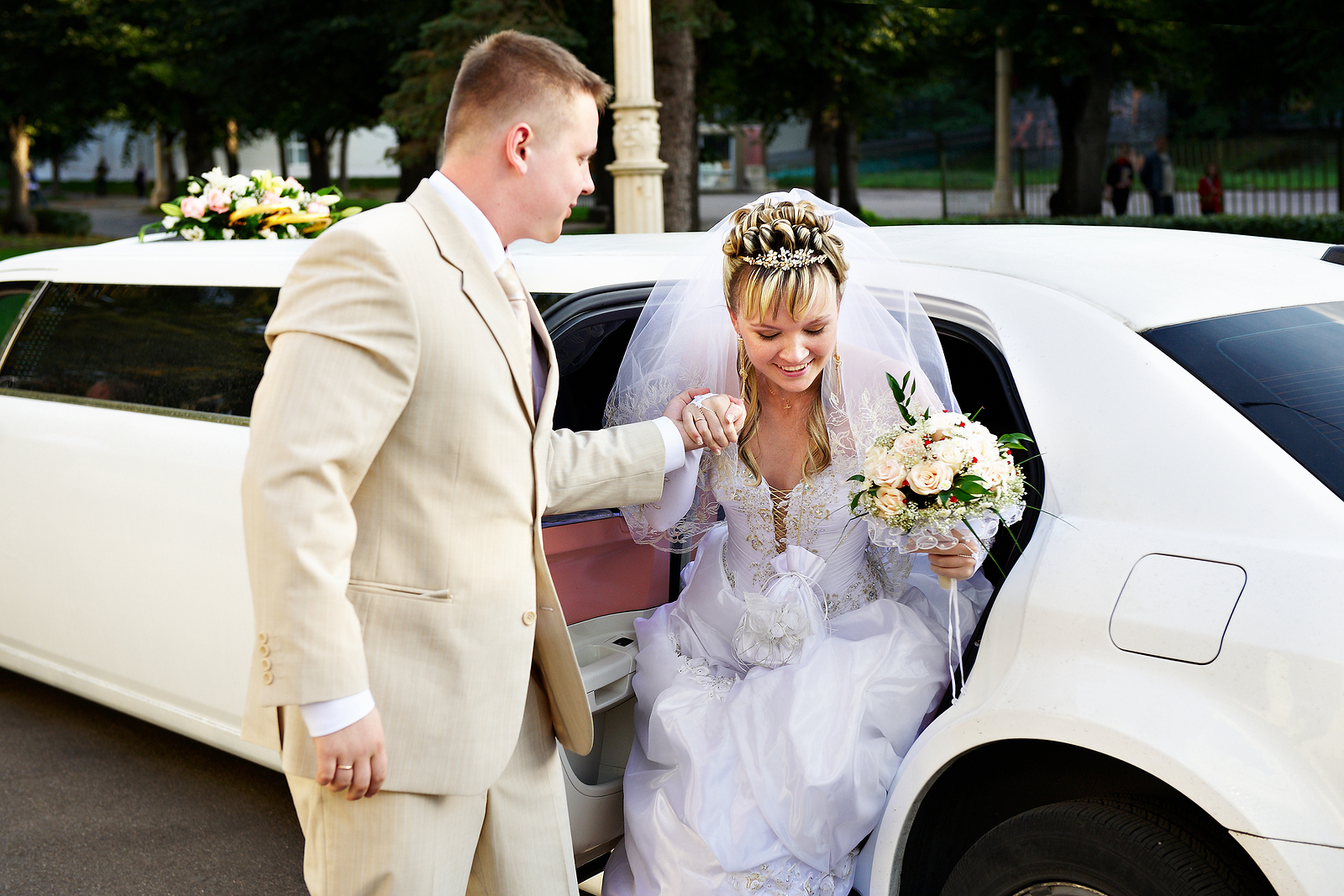 Win a Custom-Made Veil at Tradition Wedding Show - Eagle Luxury Transportation & Limousine Service